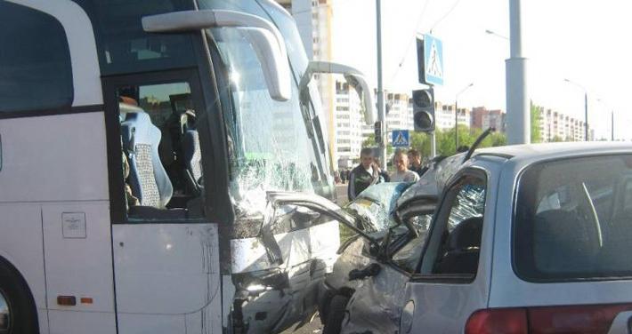 Авария в Бобруйске Seat Alhambra и автобус Mercedes