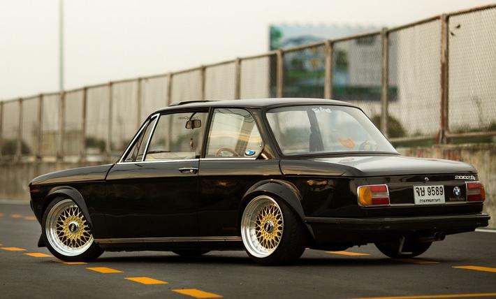 BMW-2002-1