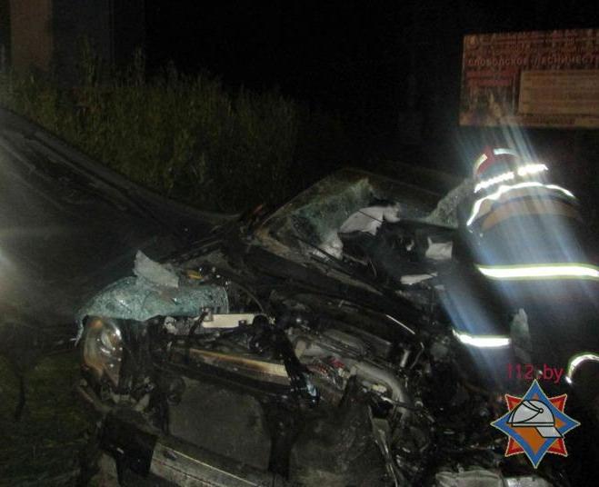 Водитель автомобиля Subaru Legacy погиб