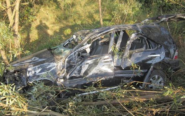 Автомобиль Mercedes вылетел в кювет