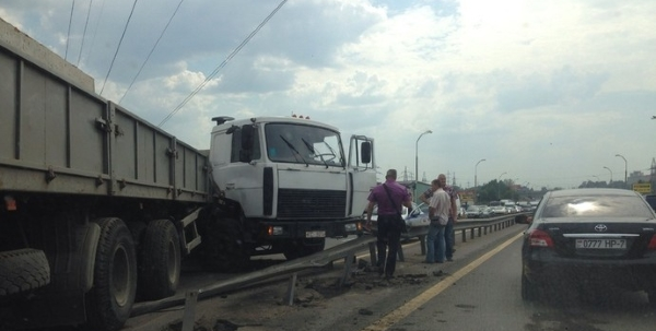 Авария с участием грузовика МАЗ