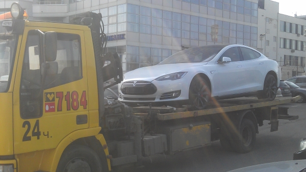 Перевозка электрокара Tesla Model S
