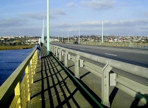 Мост в Орше, где произошло ДТП