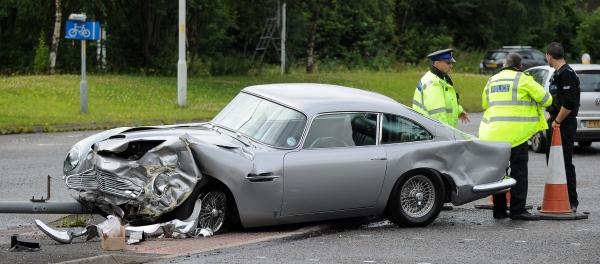 авария Aston Martin DB5