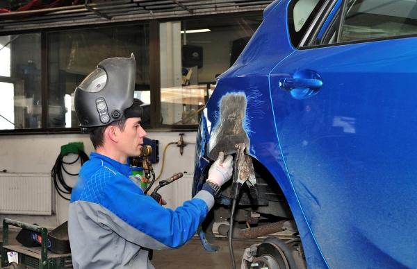 ремонт крыльев автомобилей